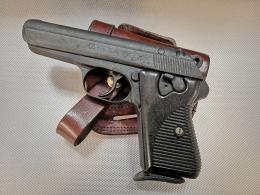 Polavtomatska pištola CZ Vzor 50